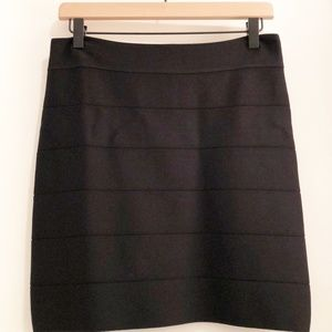 Bebe Fitted Skirt Black Size Large